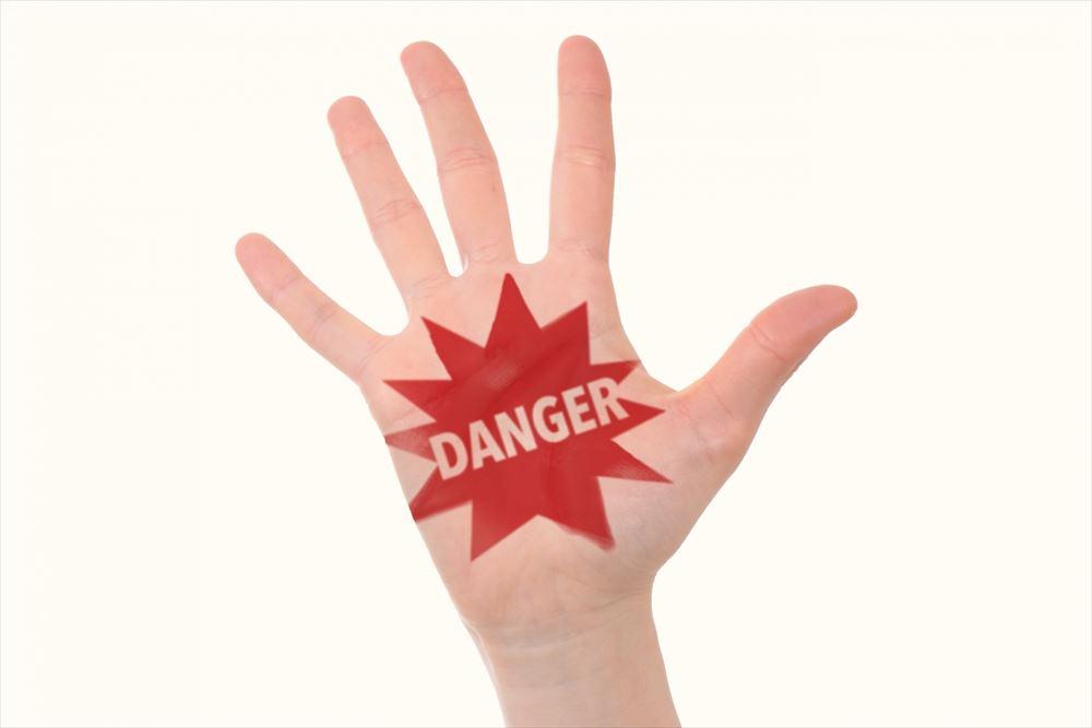 風評被害や誹謗中傷を放置すると発生する危険性やリスクを具体例で紹介